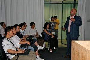 Del Caño durante una conferencia en Hong Kong