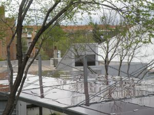 Pérgola fotovoltaica en el Centro de Mayores Primavera de Coslada